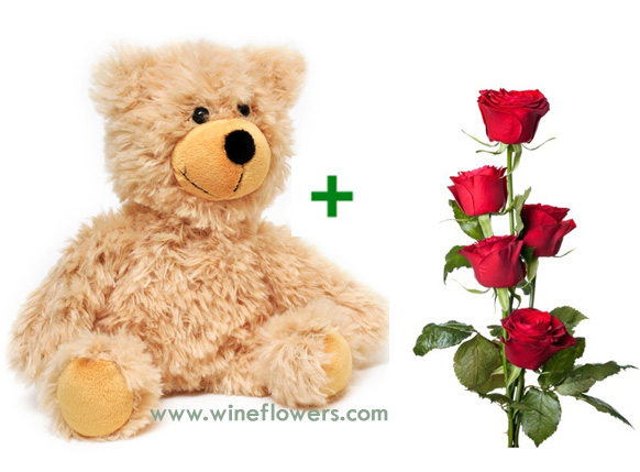 teddy bear and red roses